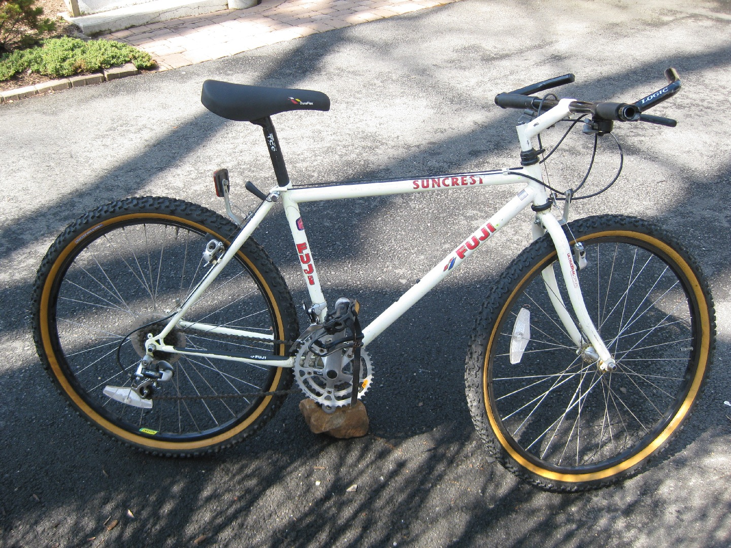 Fuji Suncrest Bike